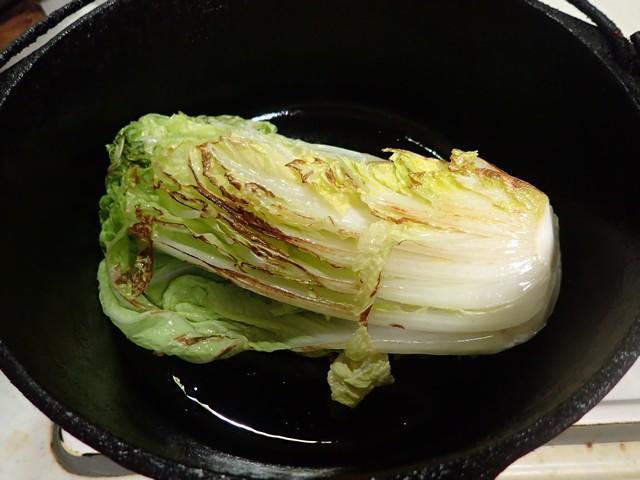 ベーコン・ハム・白菜のダッチオーブン蒸し煮込み